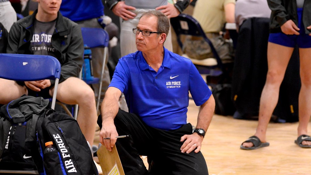 202a84d9 Jeff Robinson to Retire from Collegiate Coaching